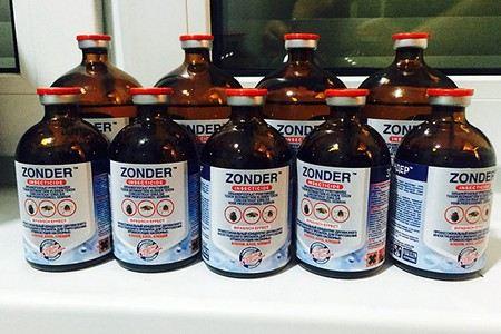 Бутылки препарата от клопов