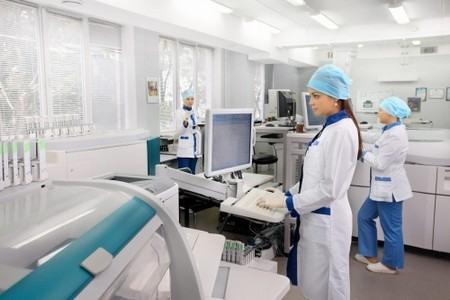 Лаборатория с докторами