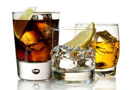 Стаканы со спиртным