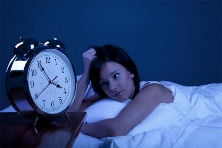 женщина не может заснуть
