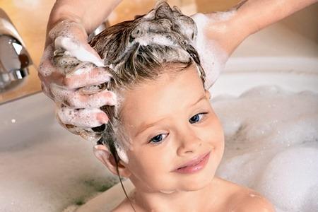 Митья волос ребенку